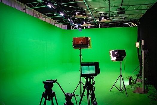 Livestream-Studio-SetUp_Greenscreen_-Wuppertal_Leverkussen_525x350.jpg