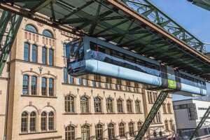 Office building DAILY BREAD Düsseldorf near Wuppertal Schwebebahn
